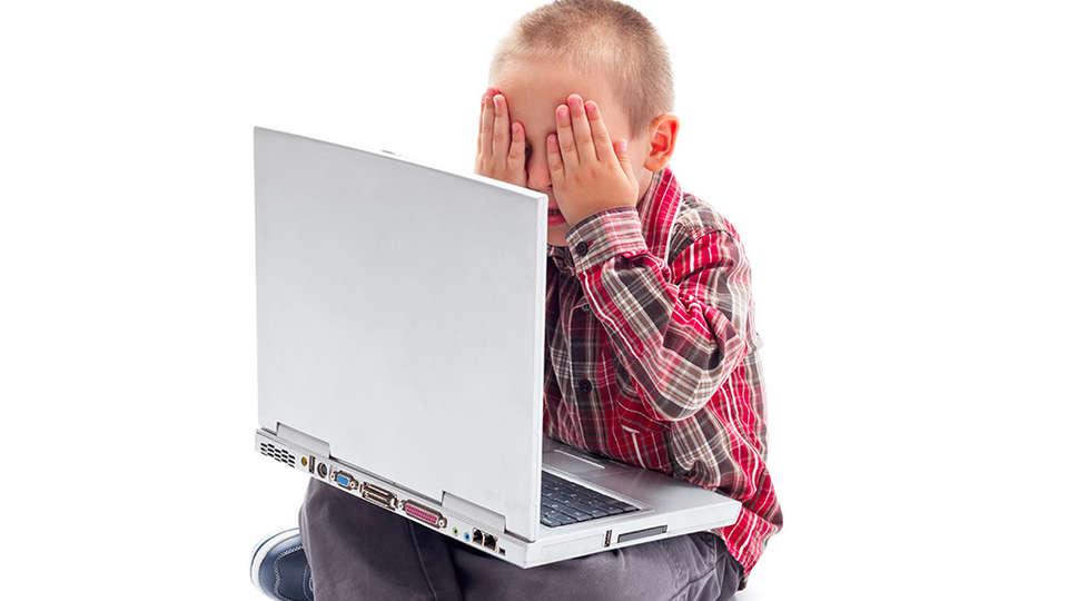 Порно онлайн маленькие мальчики